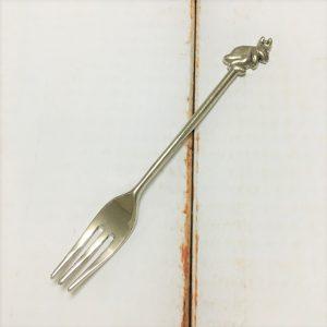 サヌ・バイさんの洋銀カトラリー・うさぎのフォーク